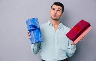 Vyras su dovanomis
