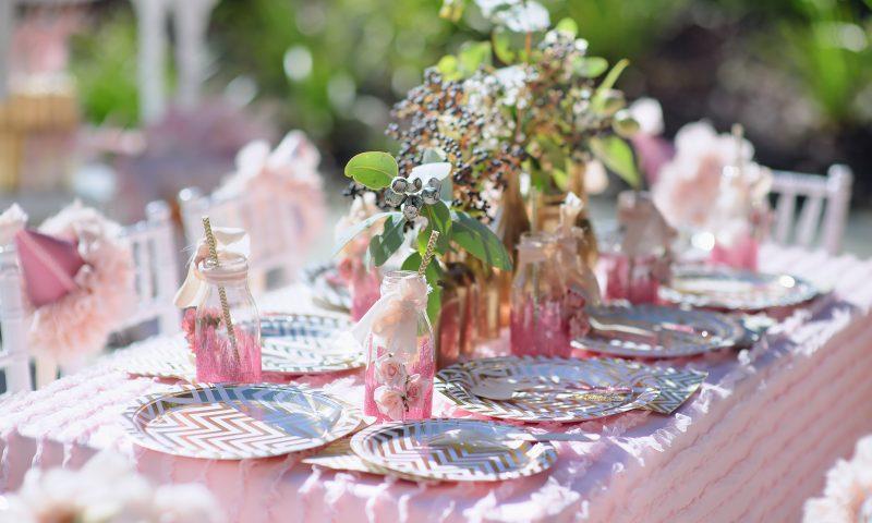Šventinio stalo dekoravimo idėjos